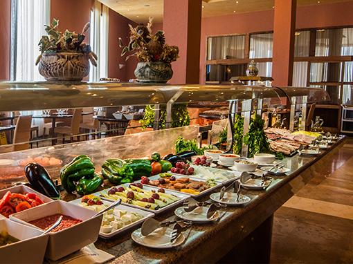 platos del buffet del hotel antequera