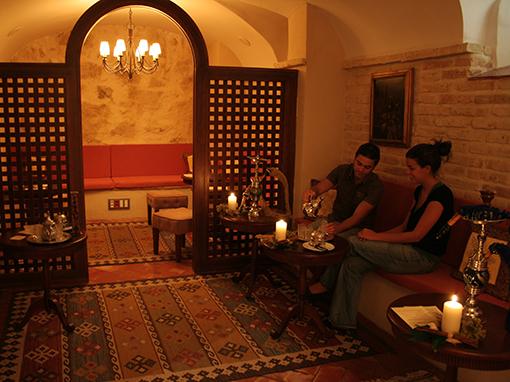 salón de té en el hotel convento la magdalena