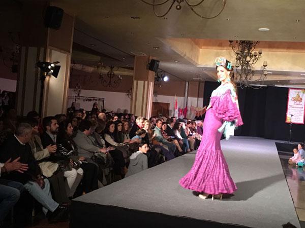Desfile solidario de moda flamenca en Antequera